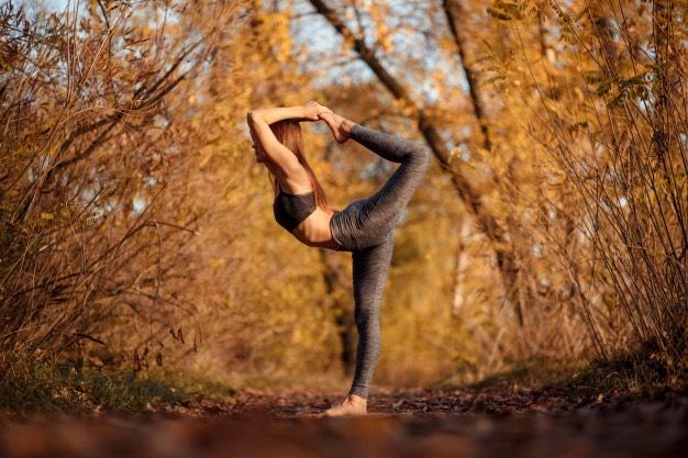 Le yoga en  A U T O M N E